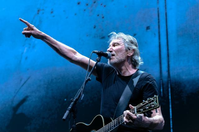 ROGER WATERS meo arena